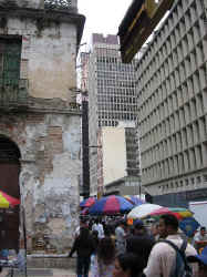 caracas_old_new.jpg (105611 bytes)