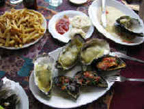 oysters_mussels.jpg (88148 bytes)